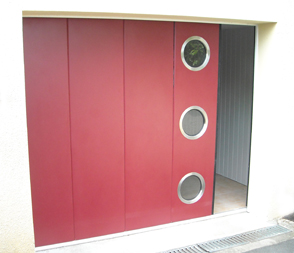 Porte de garage sectionnelle rouge Horman - Weigerding
